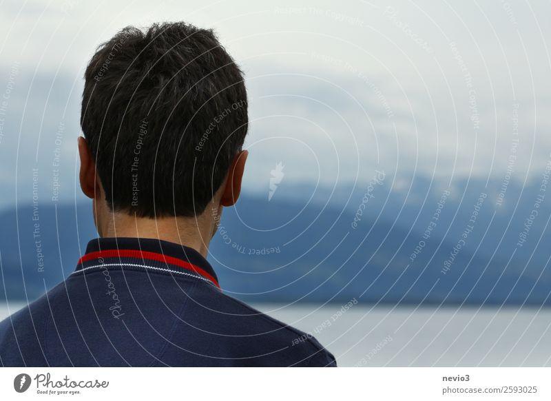 Fernsicht Mensch maskulin Mann Erwachsene Leben Kopf Haare & Frisuren 1 30-45 Jahre 45-60 Jahre Landschaft Blick blau Fernweh Ferne dunkles Haar schwarzhaarig
