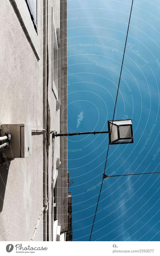 himmel über lissabon Himmel Ferien & Urlaub & Reisen Sommer blau Stadt Haus Architektur Wand Gebäude Tourismus Mauer Fassade grau Technik & Technologie