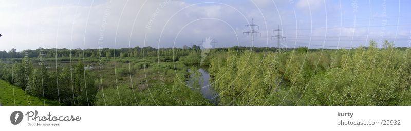 Brögberner Teiche Baum Wald See Landschaft groß Strommast Panorama (Bildformat)