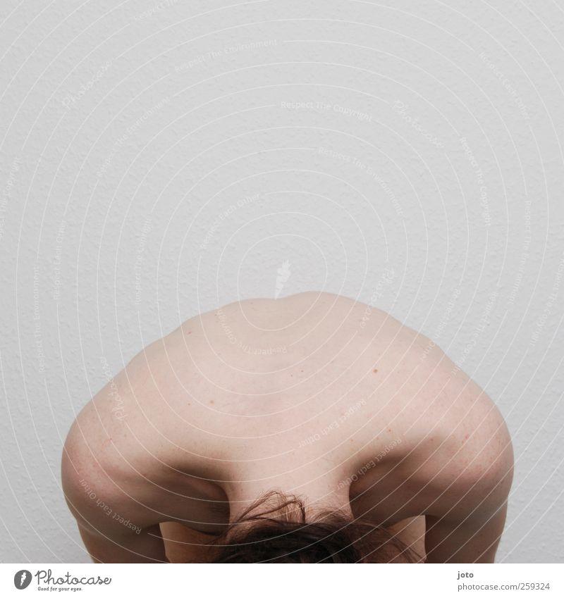nackter nacken Jugendliche Einsamkeit ruhig Rücken natürlich maskulin ästhetisch Akt authentisch Trauer Schutz Sehnsucht Junger Mann Gelassenheit Schmerz