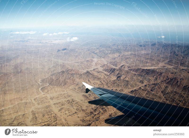 Lüfte Himmel Natur Sommer Umwelt Landschaft fliegen Flugzeug außergewöhnlich Luftverkehr Wüste Tragfläche Gipfel Schönes Wetter Schlucht Dürre karg