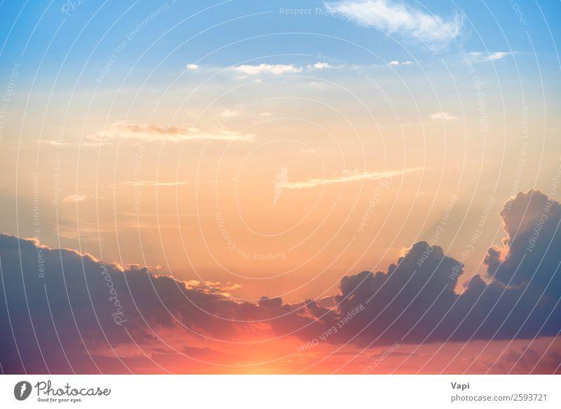 Sonnenuntergang mit Sonne und Wolken schön Sommer Natur Landschaft Himmel nur Himmel Sonnenaufgang Sonnenlicht Schönes Wetter Wärme hell natürlich blau