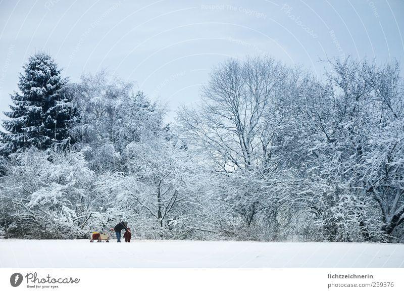 Winterspaziergang Mensch Frau Kind Himmel Natur blau weiß Ferien & Urlaub & Reisen ruhig Erwachsene Landschaft kalt Schnee Freiheit Familie & Verwandtschaft