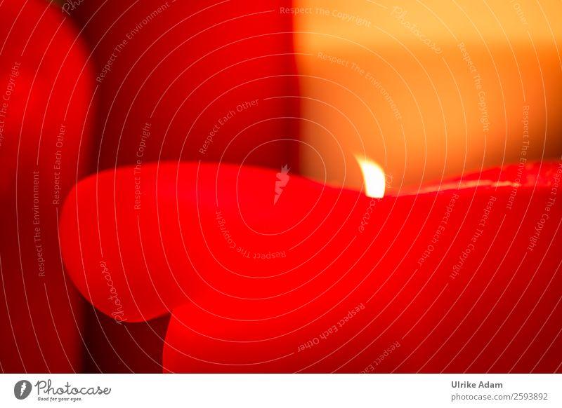 Dicke brennende rote Kerze elegant Design Wellness harmonisch Wohlgefühl Zufriedenheit Erholung ruhig Meditation Kur Spa Massage Postkarte Trauerkarte