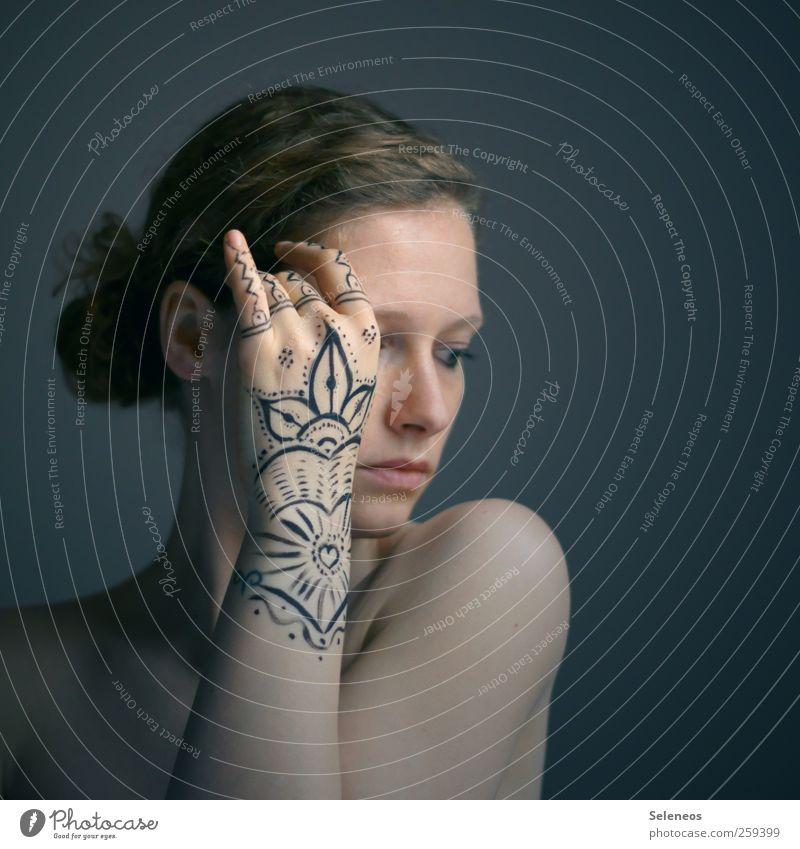 indian summer schön Körper Haare & Frisuren Haut Gesicht Kosmetik Schminke Mensch feminin Junge Frau Jugendliche Erwachsene Auge Ohr Nase Mund Lippen Arme Hand