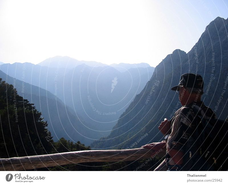 Blick auf SanMaria Schlucht Wald Berge u. Gebirge Nebel