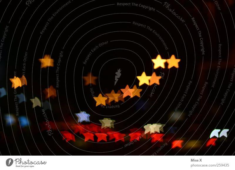 Sternenhimmel Weihnachten & Advent Nachthimmel leuchten mehrfarbig Weihnachtsbeleuchtung Stern (Symbol) Farbfoto Experiment Muster Menschenleer