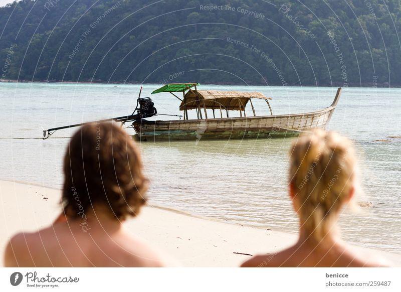 longtail Paar Mensch Strand Asien Thailand langschwanzboot Wasserfahrzeug Sonne Sonnenstrahlen Mann Frau Liebespaar Ferien & Urlaub & Reisen Reisefotografie