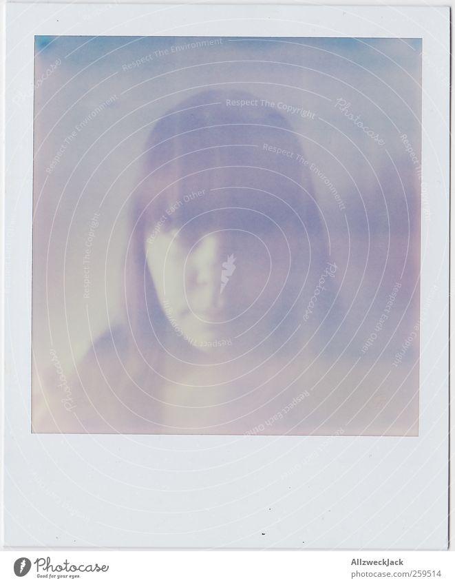 Überbelichtet Mensch feminin Junge Frau Jugendliche Kopf 1 18-30 Jahre Erwachsene brünett Pony retro Nostalgie Farbfoto Gedeckte Farben Nahaufnahme Polaroid Tag