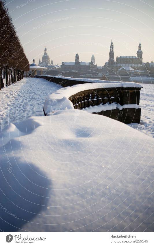 dresden goes schnee Himmel Natur Wasser Sonne Winter Umwelt Leben Landschaft Wand Architektur Stein Mauer Park Klima Tourismus Brücke