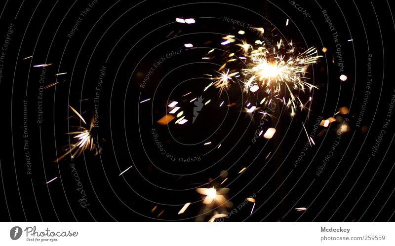 Funkenalarm (1) Wunderkerze authentisch bedrohlich fantastisch gigantisch heiß schön wild braun gelb grau schwarz weiß orange Strukturen & Formen hell explosiv
