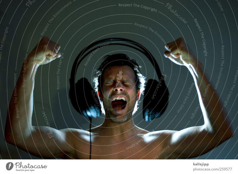 shout out louds Mensch Mann Hand Erwachsene Leben Kopf Stil Musik Kunst Freizeit & Hobby Arme Haut Lifestyle Technik & Technologie Kultur hören