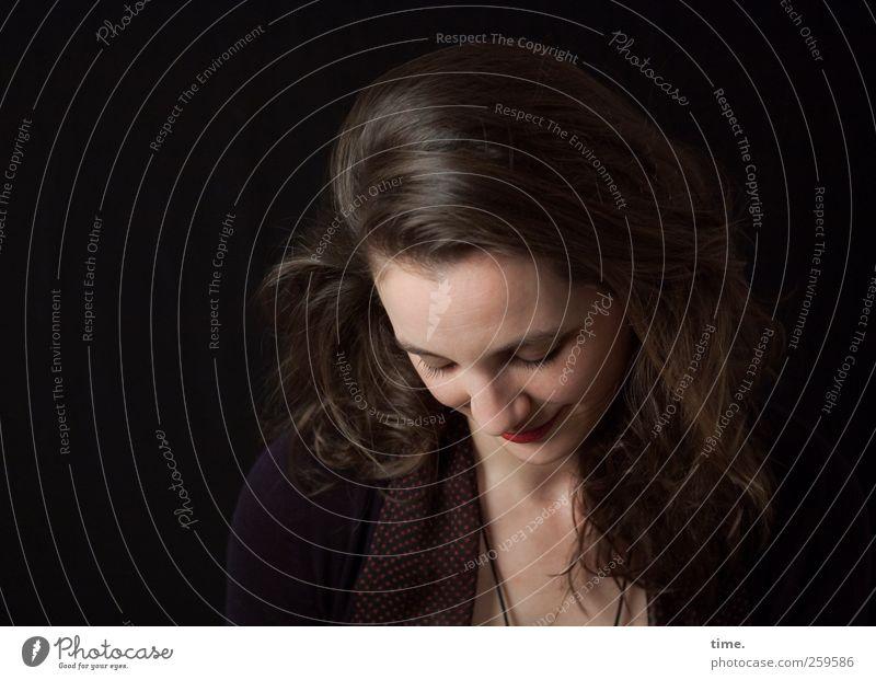 changes | authentic Mensch feminin Frau Erwachsene Kopf Haare & Frisuren Gesicht 1 18-30 Jahre Jugendliche authentisch Freundlichkeit schön Frieden Gelassenheit