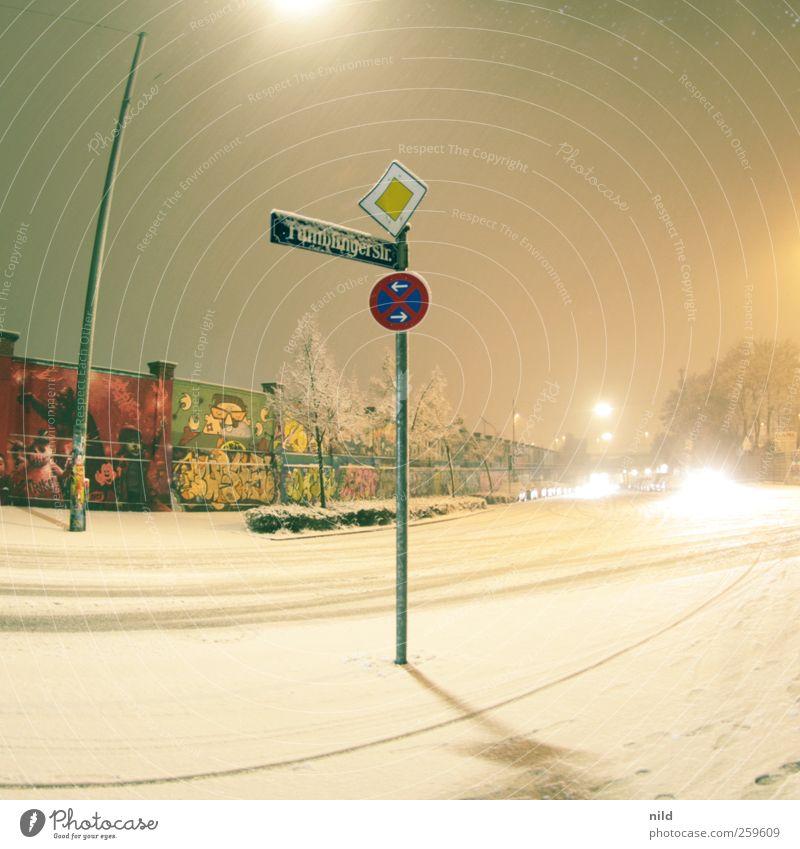 Tumblingerstraße Stadt Winter Straße kalt Schnee Wand Graffiti Mauer Schneefall Wetter Schilder & Markierungen Verkehr Bauwerk München Autofahren