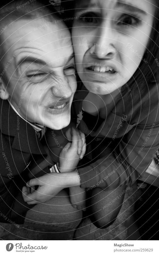 Der Wahnsinn und der Irrsinn personifiziert. Mensch Jugendliche Erwachsene Traurigkeit Paar Freundschaft verrückt 18-30 Jahre Hautfalten Junge Frau Schmerz Partner Gesichtsausdruck Junger Mann Ekel Grimasse