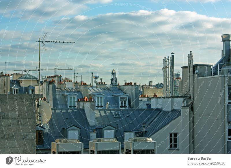 Vive la France! Stadt Hauptstadt Stadtzentrum Haus Dach Schornstein Antenne blau Paris Frankreich Wolken Aussicht Fenster Farbfoto Außenaufnahme