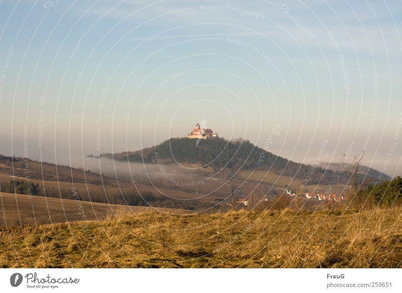 Nebelschwaden Natur Landschaft Himmel Feld Hügel Dorf Menschenleer Umwelt Thüringen Farbfoto Außenaufnahme Tag Burg oder Schloss