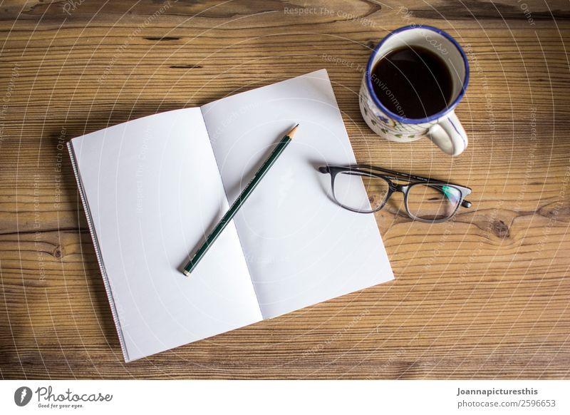 Blank Page Heißgetränk Kaffee Tee Tasse Becher elegant Stil Schreibtisch Erwachsenenbildung lernen Notizbuch Zettel Brille Lesebrille Arbeitsplatz Schreibwaren
