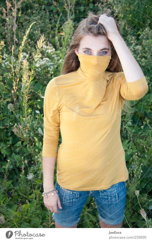 #259690 Frau grün schön Pflanze Sommer Erwachsene Auge gelb Erholung Leben Wiese Gras Garten Stil Mode träumen