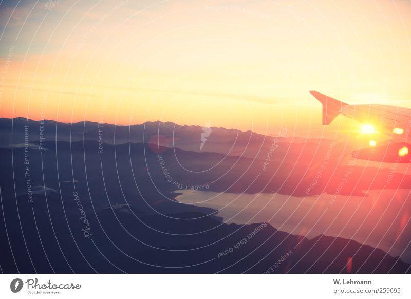 Goodbye Corsica! gelb Berge u. Gebirge grau gold Flugzeug Luftverkehr Verkehrsmittel Passagierflugzeug