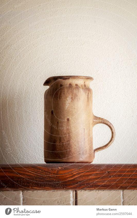 ein italienischer Töpferkanne Design Leben Dekoration & Verzierung Küche Kunst Kultur Accessoire Stein alt historisch retro braun grau weiß Farbe Tradition