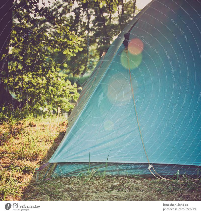 Ecke vom Zelt Natur blau grün Ferien & Urlaub & Reisen Sommer Freude Ferne Wiese Umwelt Freiheit Glück Abenteuer Lifestyle Schönes Wetter Camping