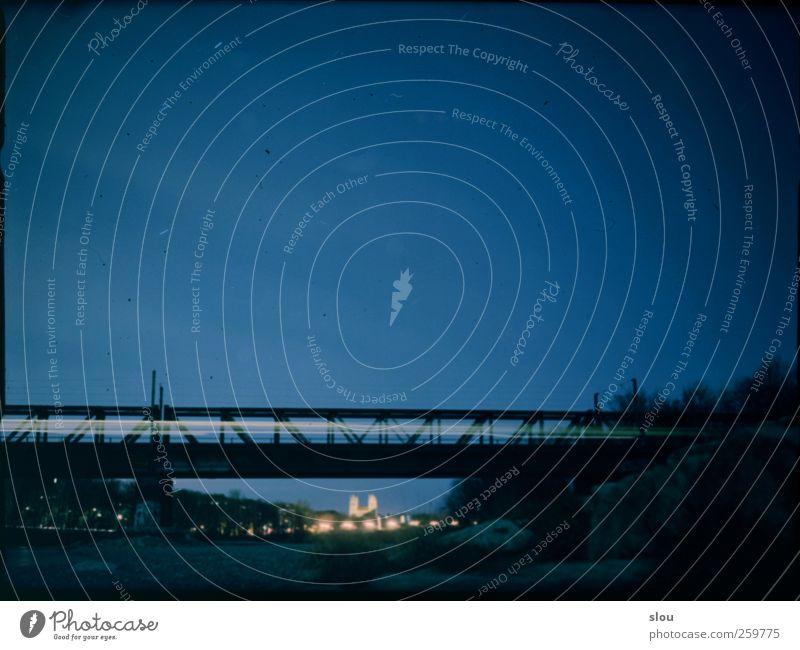 isar@night II Himmel blau Stadt gelb Eisenbahn Brücke Kirche Fluss München