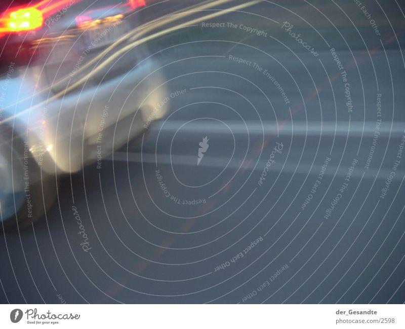 abgefahren Langzeitbelichtung Verkehr Geschwindigkeit Straße PKW Licht