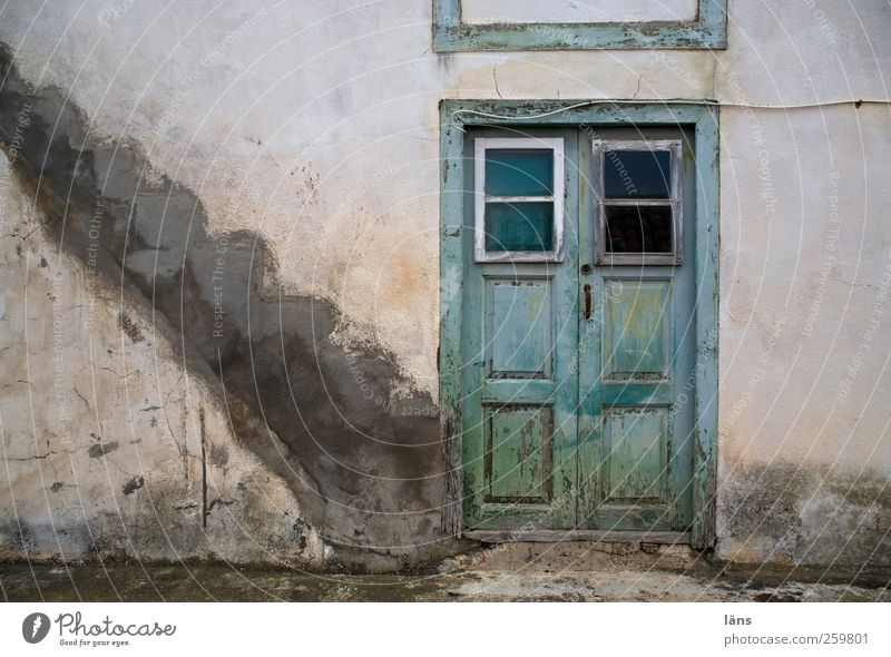 Treppenwitz alt Haus Gebäude Tür Fassade Treppe authentisch Wandel & Veränderung Bauwerk Verfall Ruine Altstadt Kanaren La Palma