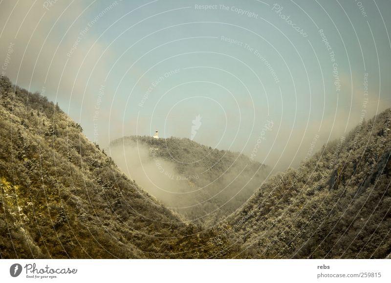 Zwischen Berg und Tal Natur Pflanze Himmel Wolken Winter Wetter Nebel Schnee Baum Wald Berge u. Gebirge Holz blau grau grün weiß Stimmung Farbfoto Außenaufnahme