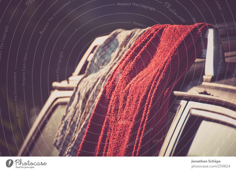 Sonnentrockner Ferien & Urlaub & Reisen rot Ferne Freiheit Wärme Stil PKW braun Ausflug Abenteuer Lifestyle Camping Sonnenbad Sommerurlaub trocknen Handtuch