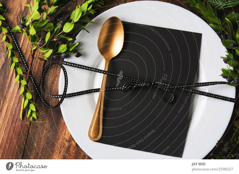 Menüplatzierung mit leerer Karte und goldenem Löffel Abendessen Teller Besteck Stil Design Winter Dekoration & Verzierung Tisch Restaurant Muttertag Ostern