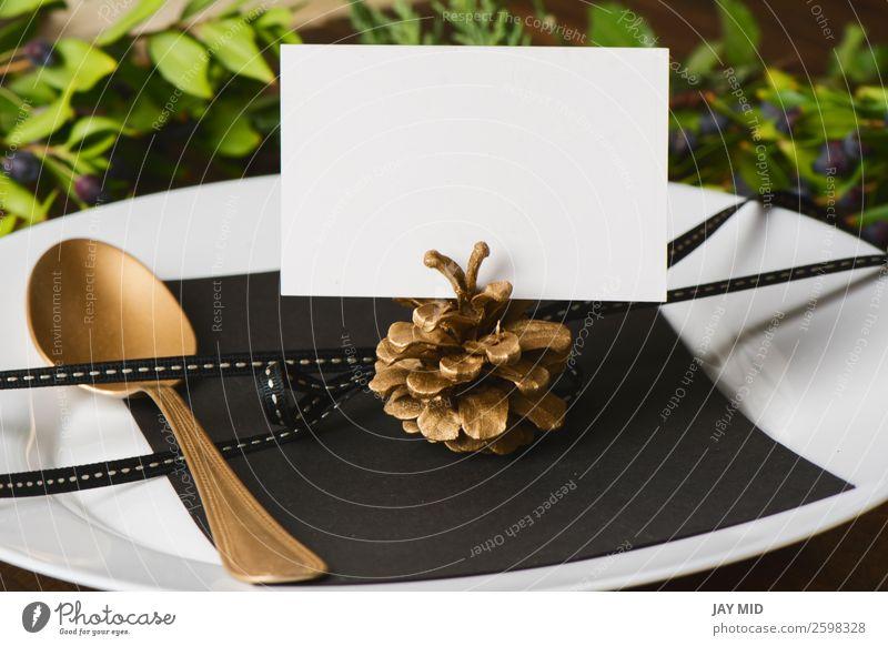 Menüplatzierung mit leerer Namenskarte und goldenem Löffel Abendessen Teller Besteck Stil Design Winter Dekoration & Verzierung Tisch Restaurant Feste & Feiern