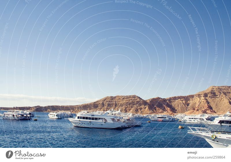 Paradies Himmel blau Wasser schön Ferien & Urlaub & Reisen Sommer Meer Freiheit Wasserfahrzeug Tourismus Hafen Schönes Wetter Anlegestelle Wolkenloser Himmel Urlaubsstimmung Urlaubsfoto