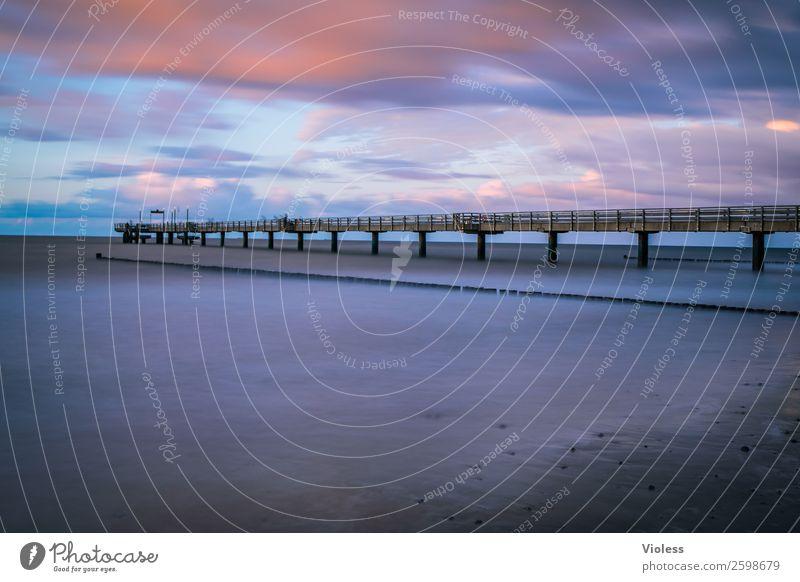 Heiligendamm II Brücke Sehenswürdigkeit Bekanntheit blau Seebrücke Ostsee Badeort Langzeitbelichtung Strand Mecklenburg-Vorpommern Abend Dämmerung Schatten