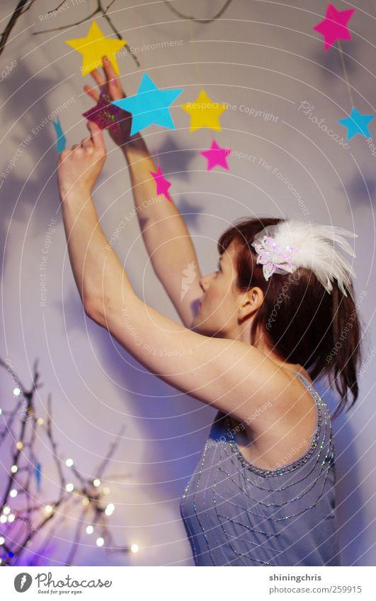 sterne sammeln (neulich im dschungelcamp..) Mensch Jugendliche blau Erwachsene gelb feminin Haare & Frisuren Stil Mode Kunst rosa glänzend Abenteuer