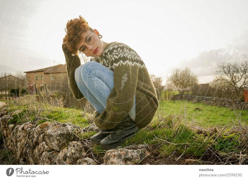 Frau Mensch Natur Jugendliche Junge Frau schön grün Erholung Einsamkeit Freude Ferne 18-30 Jahre Lifestyle Erwachsene Leben Herbst