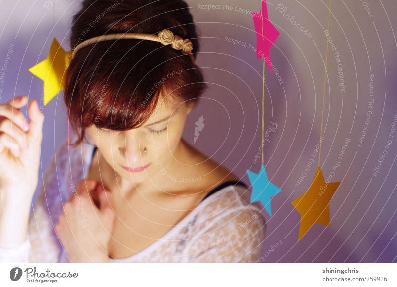 my little galaxy Mensch Jugendliche blau schön Erwachsene gelb feminin Haare & Frisuren rosa Stern (Symbol) Zukunft 18-30 Jahre Kitsch zart Junge Frau genießen