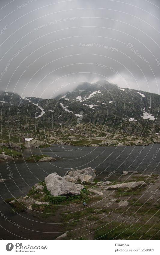 Unter den Wolken Umwelt Natur Landschaft Urelemente Erde Himmel Sommer Klima Wetter Nebel Regen Gewitter Felsen Alpen Berge u. Gebirge Gipfel Abenteuer Stimmung