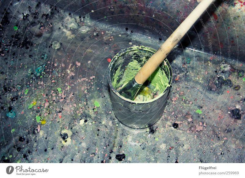 Farbgematsche grün Kunst dreckig Design lernen malen Kreativität Kultur Fleck Dose Pinsel Waschbecken Eimer Konservendose Farbtopf