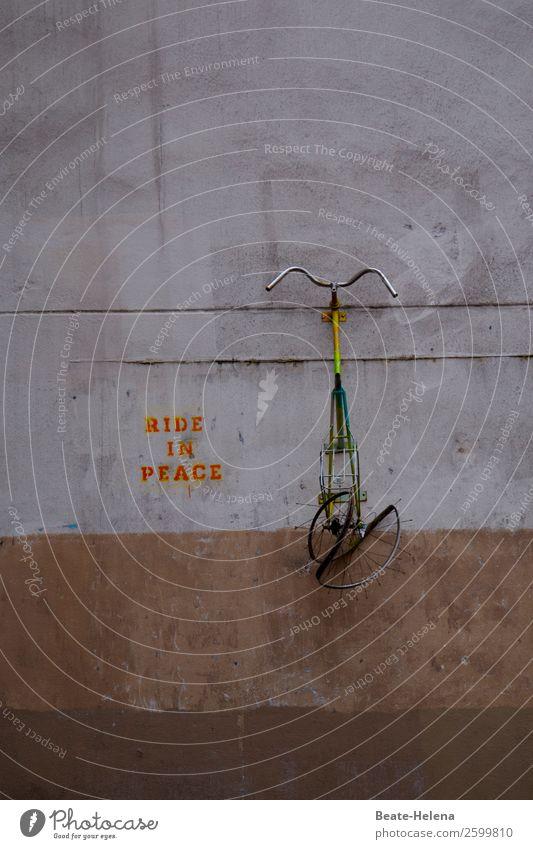Ride in Peace Gesundheit Abenteuer Fahrradfahren Häusliches Leben Sport Fitness Sport-Training Erfolg Verlierer Technik & Technologie Kunstwerk Mauer Wand