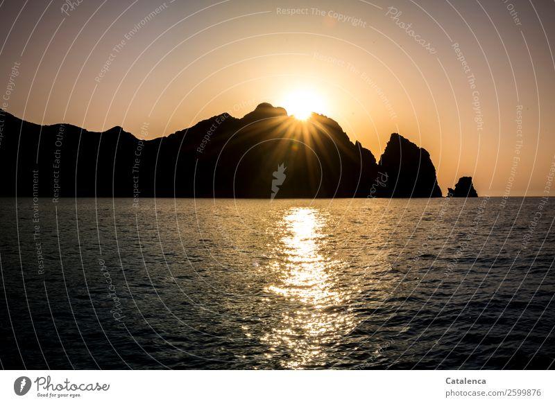 Sundowner | Betthupferl Natur Sommer blau Wasser Sonne Meer schwarz Umwelt Küste orange Felsen rosa Stimmung Ausflug Horizont leuchten