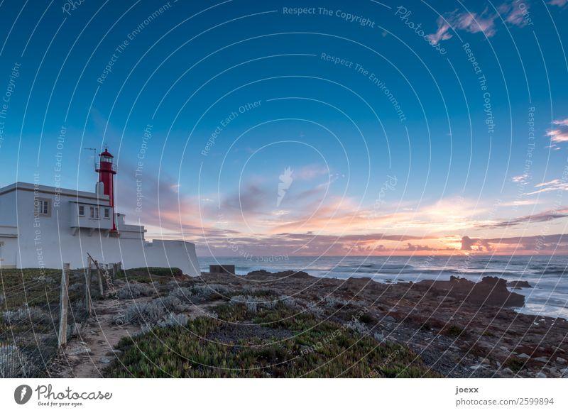 Was der Morgen bringt Himmel Sommer blau weiß Landschaft rot Haus Wolken orange braun Horizont Idylle Schönes Wetter Schutz maritim Portugal