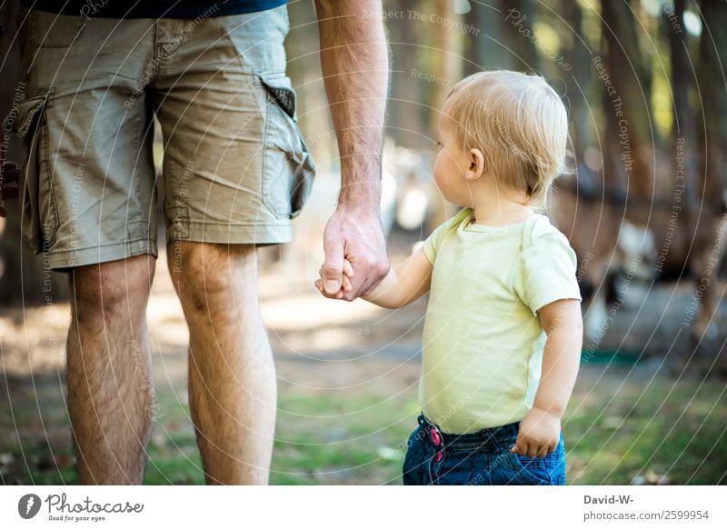 was war das? Kind Mensch Natur Sommer Hand Erwachsene Leben Herbst Umwelt Liebe feminin Zusammensein Park Kindheit Schönes Wetter lernen
