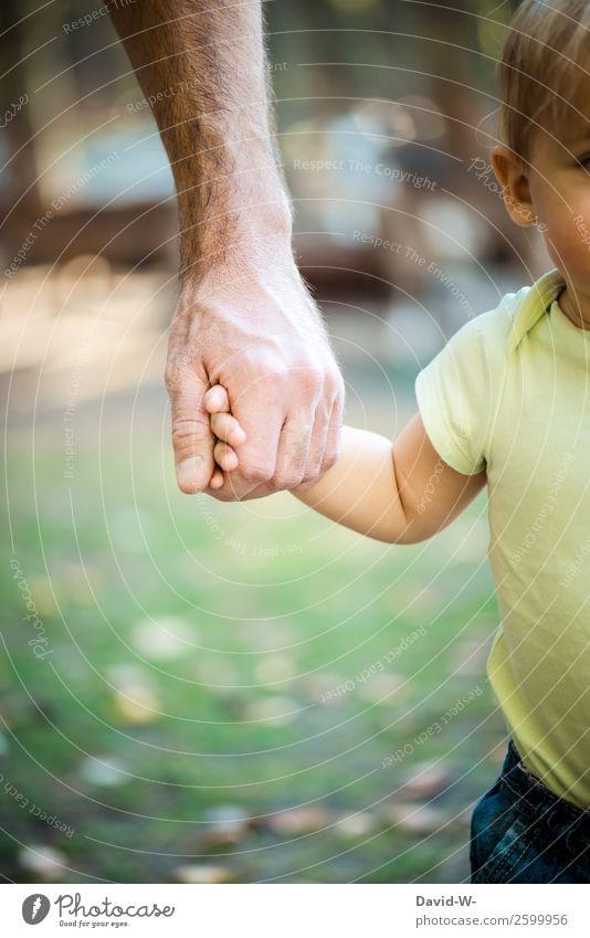 ich werde dich nie mehr loslassen! Kind Mensch Natur schön Hand Mädchen Erwachsene Leben Liebe Familie & Verwandtschaft klein Zusammensein maskulin Kindheit