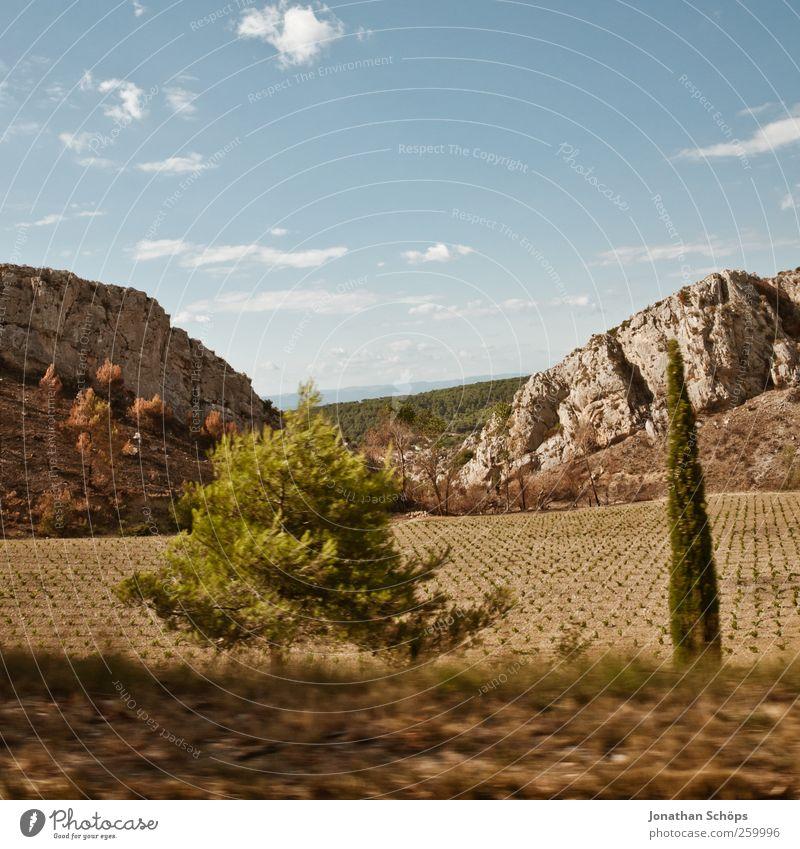 vorbeigerauscht II Himmel Natur Ferien & Urlaub & Reisen Baum Landschaft Ferne Reisefotografie Umwelt Wärme Freiheit Felsen Feld Geschwindigkeit Ausflug