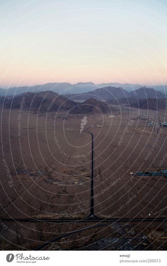 900 Himmel Natur Straße Umwelt Berge u. Gebirge Erde Felsen außergewöhnlich Hügel Wüste gerade Dürre Wolkenloser Himmel Ägypten geradeaus