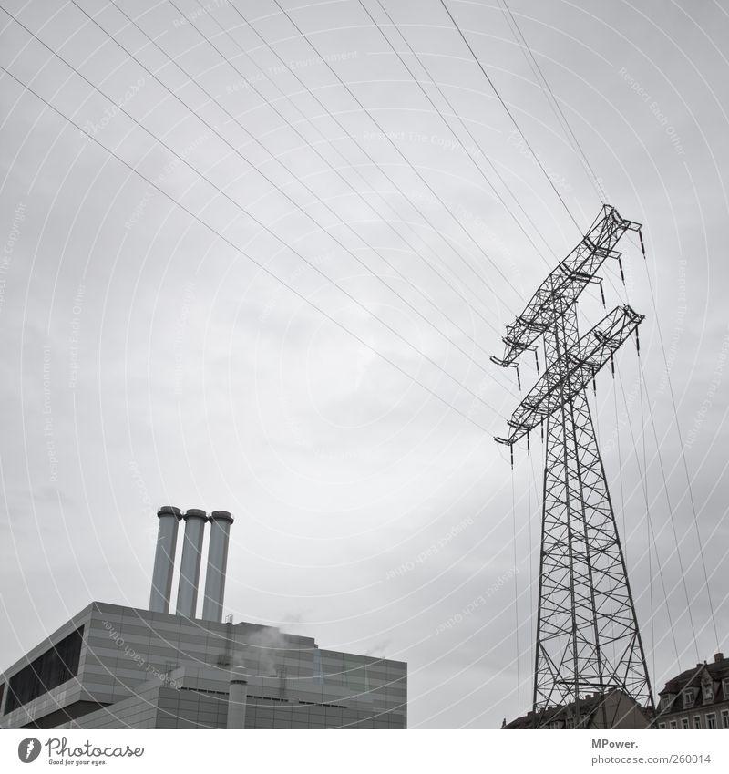 kraftwerk Wohnung Haus Energiewirtschaft Kohlekraftwerk 3 Mensch Himmel Fenster Schornstein hässlich kalt grau Hochspannungsleitung Aussicht Elektrizität