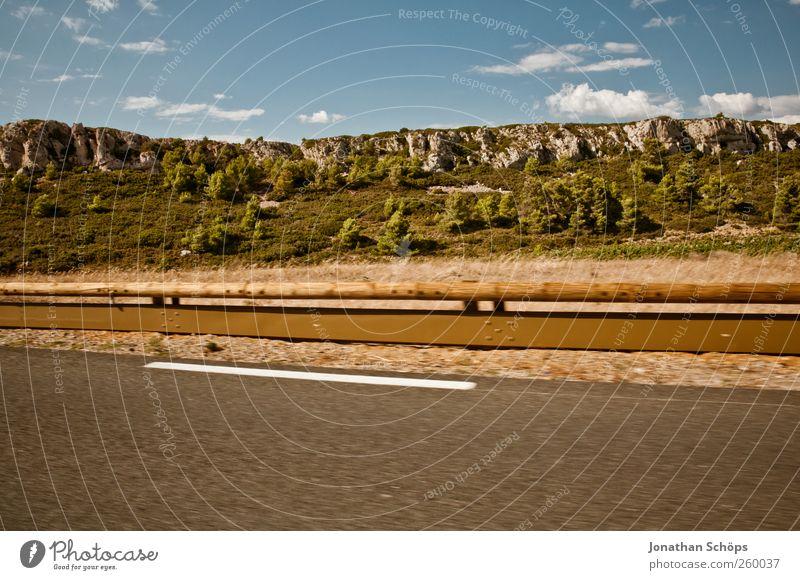 vorbeigerauscht VI Ferien & Urlaub & Reisen Ausflug Abenteuer Ferne Freiheit Sommerurlaub Natur Verkehr Verkehrswege Straße Landstraße Geschwindigkeit