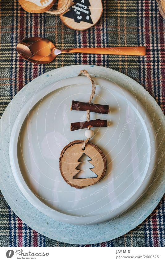 Weihnachtskupfertischdecke mit Holzornamenten verziert Abendessen Teller Glück Dekoration & Verzierung Tisch Restaurant Feste & Feiern Erntedankfest